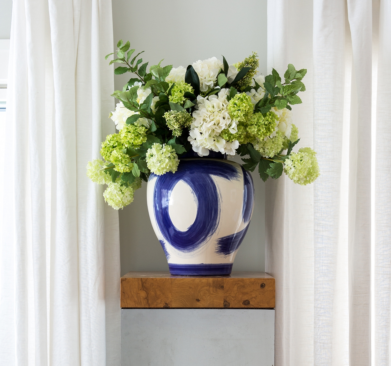 Hydrangea Snowball, White Green, Ceramic Jar, 24wx20dx23h
